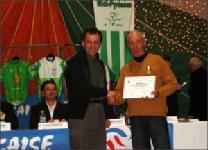 Serge Dutouron vient de remettre médaille et diplome<br>Dimanche 14 Janvier 2007.